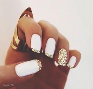 biało-złote paznokcie